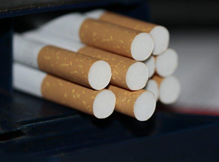Tabacchi banche poste aperti