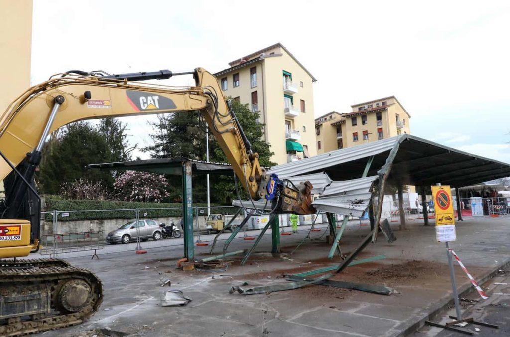 Lavori piazza Isolotto pensilina