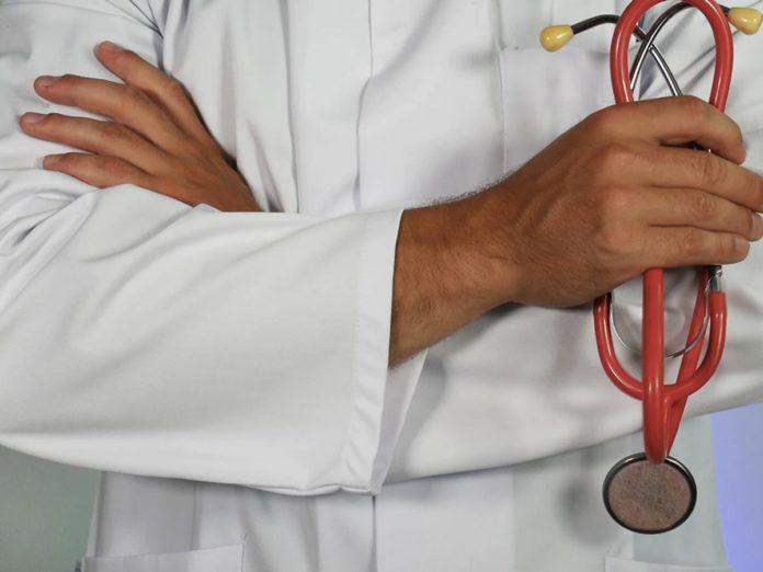 Medici, infermieri, sanitari: 2.200 assunzioni anti-coronavirus in Toscana