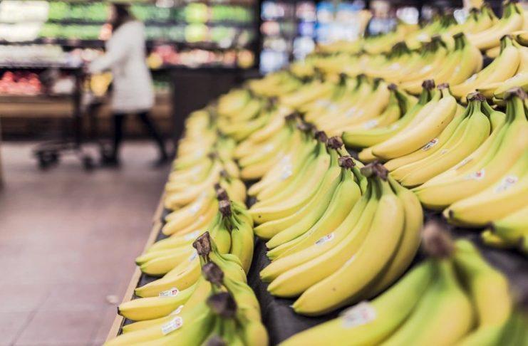 supermercati aperti negozi chiusi coronavirus