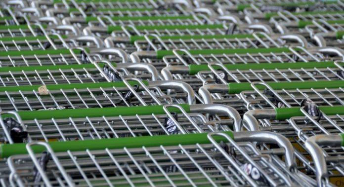 negozi supermercati aperti chiusi Pasqua Pasquetta Toscana