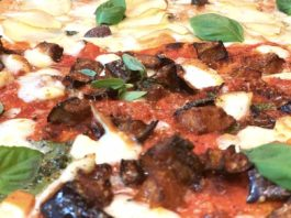 Pizza in casa, la ricetta dello chef: dall'impasto alla teglia
