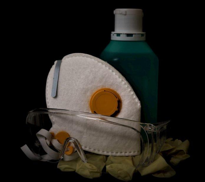Prodotti sanificazione Covid negozi abbigliamento vestiti disinfettare