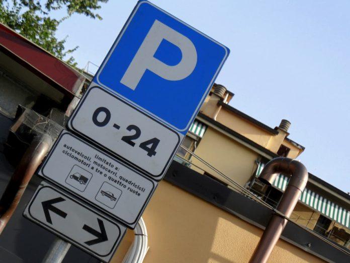 parcheggio Firenze strisce blu abbonamento coronavirus