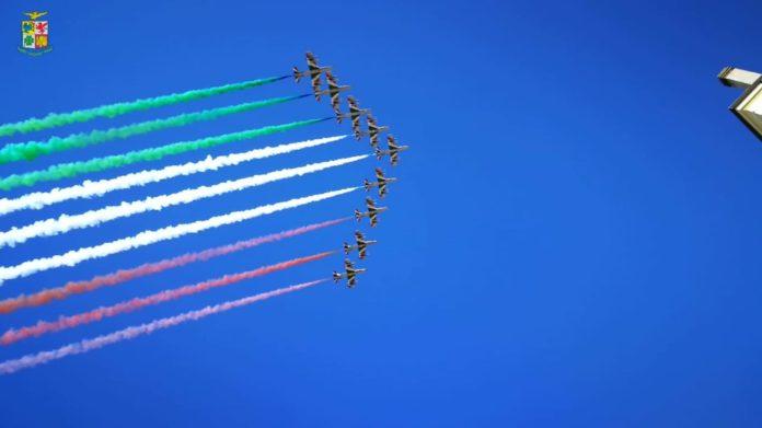Frecce tricolori 2 giugno Roma orario programma diretta tv a che ora passano