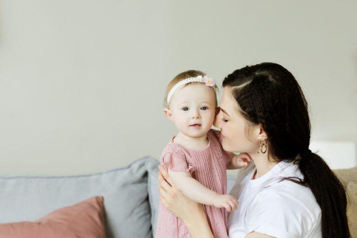 Bonus baby sitter 2020 spetta anche ai nonni zii congedo parentale