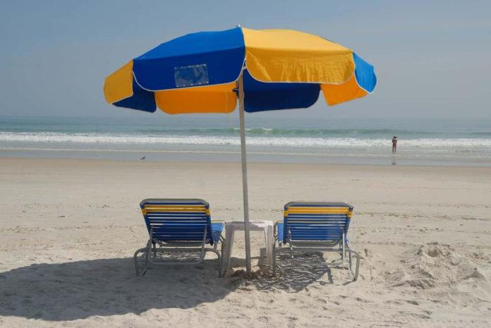 mare coronavirus in spiaggia regole acqua caldo