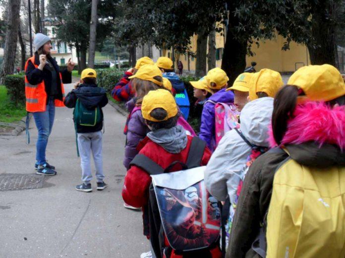 micro pedonalizzazioni scuole Firenze pedibus piedibus