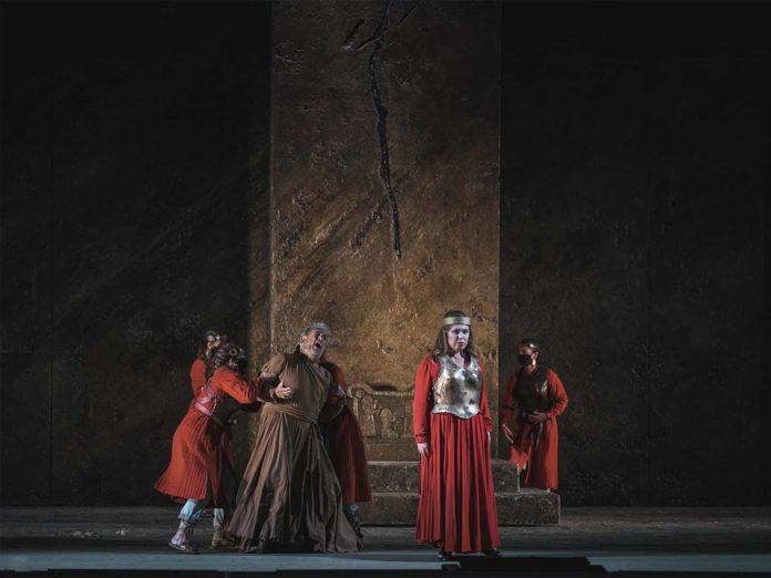 Plácido Domingo torna sul palcoscenico del Maggio Musicale Fiorentino: va in scena Nabucco