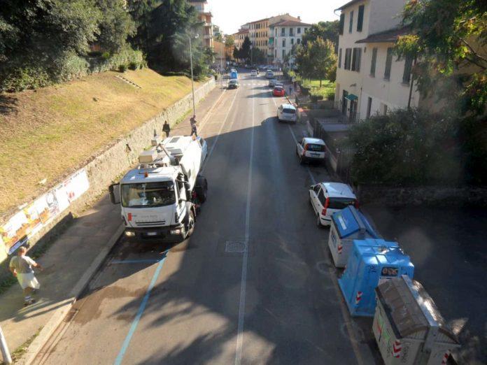 Pulizia strade Firenze sospesa Covid multa
