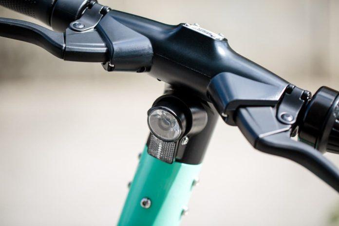 monopattino elettrico firenze obbligo casco e -cooter