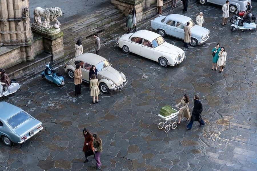 piazza Signoria Amica geniale 3