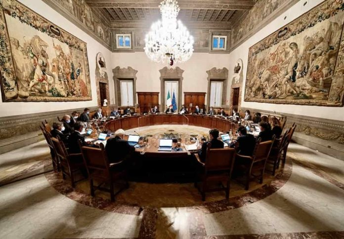 Decreto ristori 5 sostegno 2021 Draghi esce testo gazzetta ufficiale pdf quando arrivano soldi
