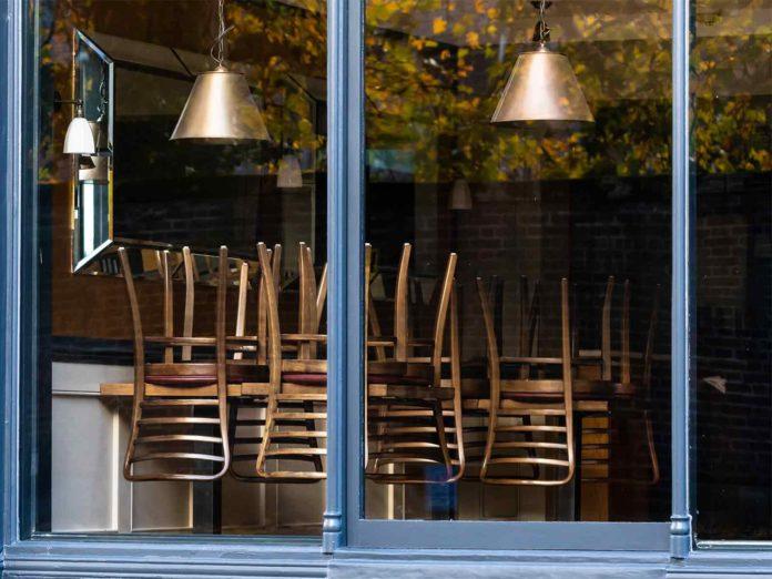 Ipotesi lockdown nel weekend: zona rossa e negozi chiusi, da quando