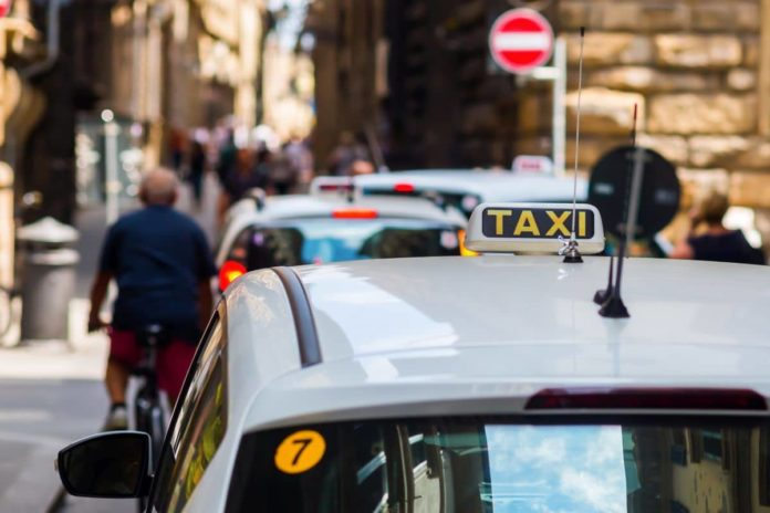 manifestazione firenze taxi oggi traffico percorso tassisti