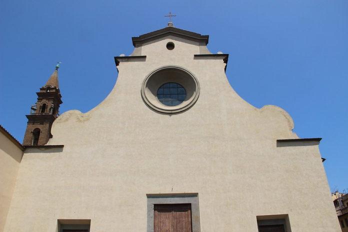 Basilica Santo Spirito Firenze, sul sagrato non si potrà mangiare e bere