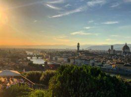 """Firenze si appella agli italiani: """"Visitate le città d'arte"""""""