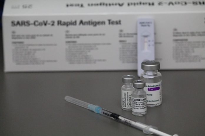 anticipo anticipare seconda dose vaccino toscana come spostare richiamo pfizer moderna astrazeneca