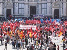 Firenze difende il lavoro, in migliaia in piazza con i dipendenti Gkn