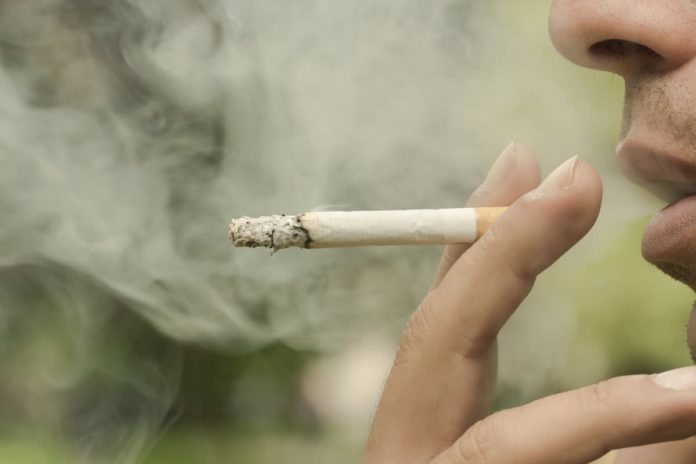 Firenze vietato fumare giardini parchi divieto fumo fermate autobus tramvia