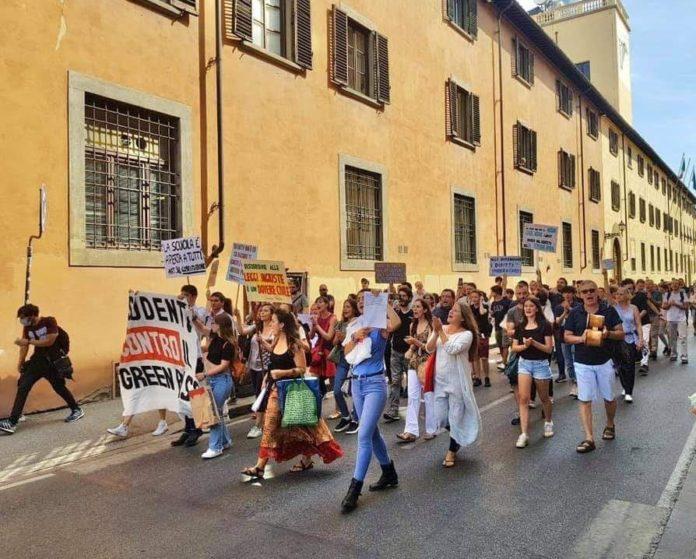 Manifestazione no green pass firenze 15 ottobre studenti contro