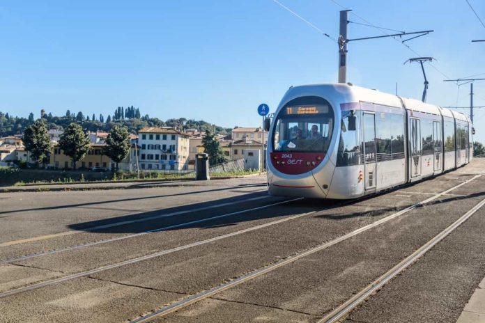tramvia trasporto pubblico locale firenze